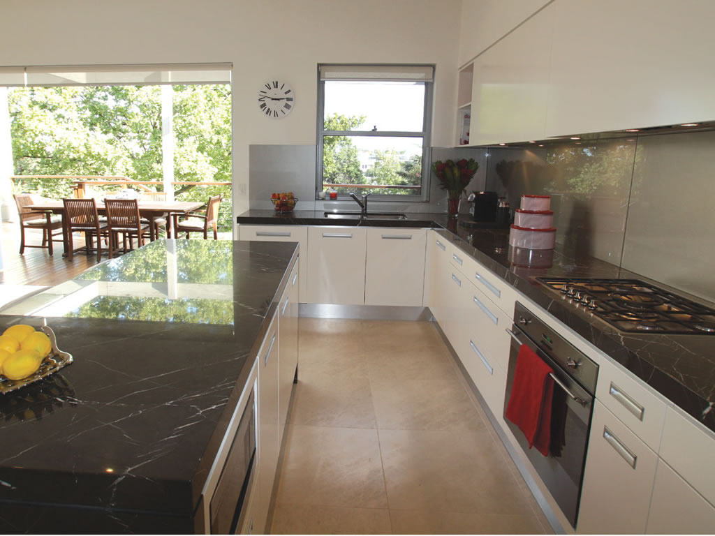 Incroyable Des Moines Wa White Cabinet Kitchen Granite Marble Quartz Countertop