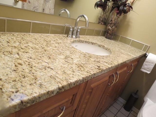 Cream Kitchen Cabinets With White Quartz