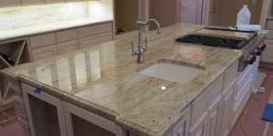 moon_glow_granite_kitchen_1
